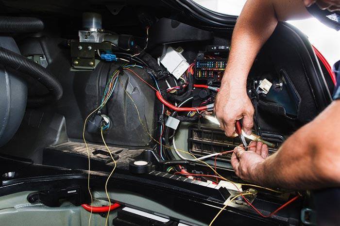 How Do You Hire the Best Auto Electrical Repairs? - WheelArea.com