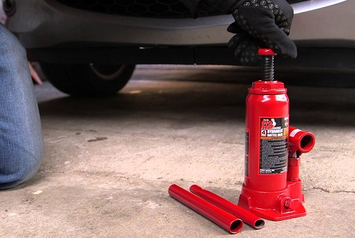 Using Hydraulic Bottle Jack